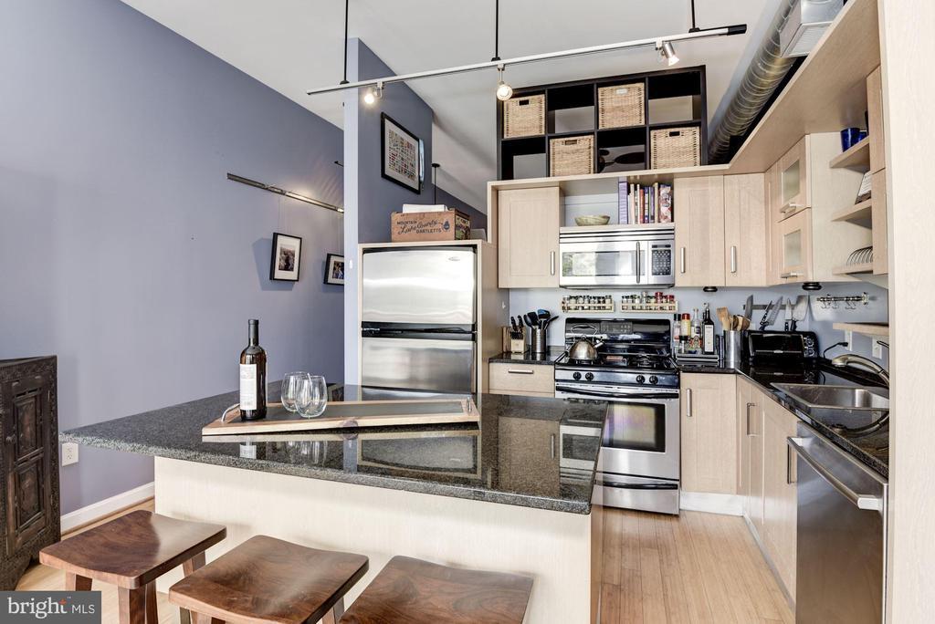 Owner loves cooking here!  Gas range... - 1390 V ST NW #209, WASHINGTON