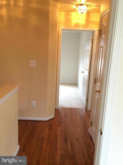 Hardwood Hallways - 25175 FEMOYER TER, CHANTILLY