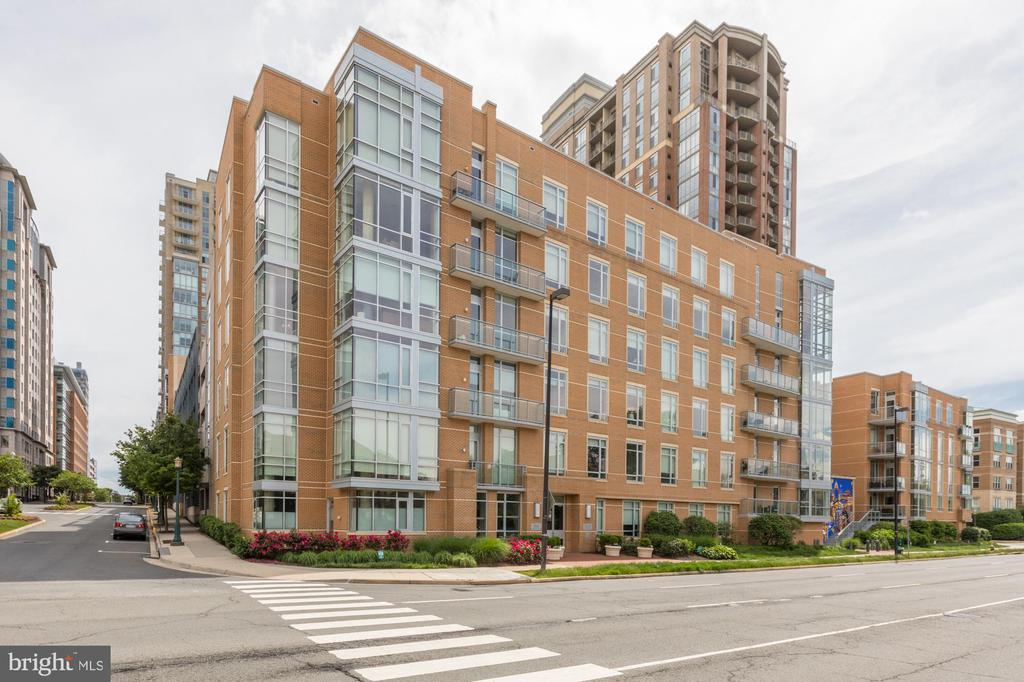 Exterior - 12025 NEW DOMINION PKWY #601, RESTON