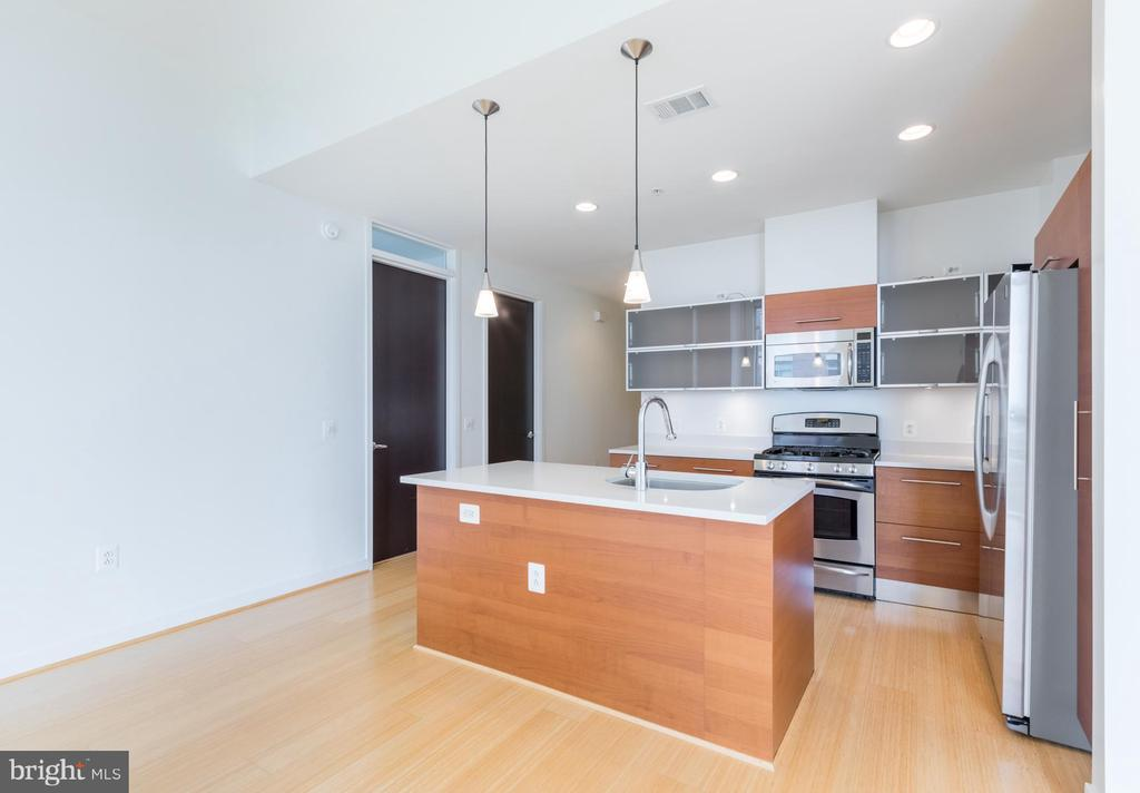 Kitchen - 12025 NEW DOMINION PKWY #601, RESTON