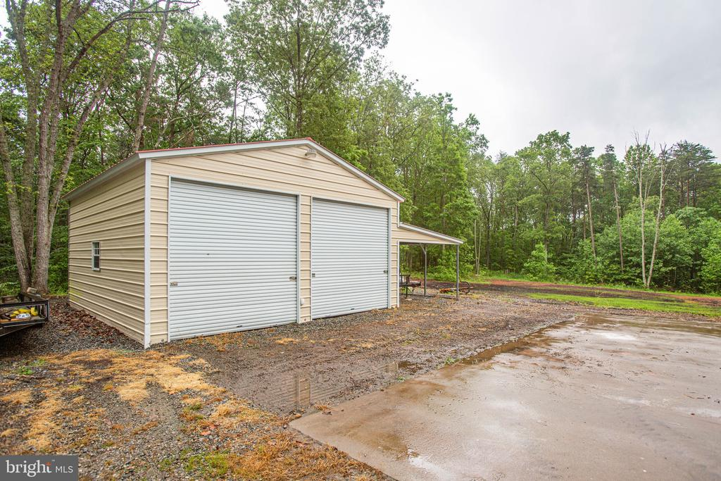 Garage and Storage - 2227 COUNTRY RD, BEAVERDAM