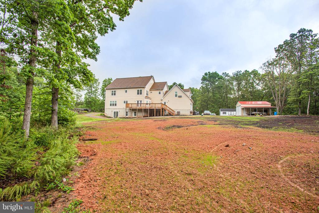 Spacious and Private ! - 2227 COUNTRY RD, BEAVERDAM