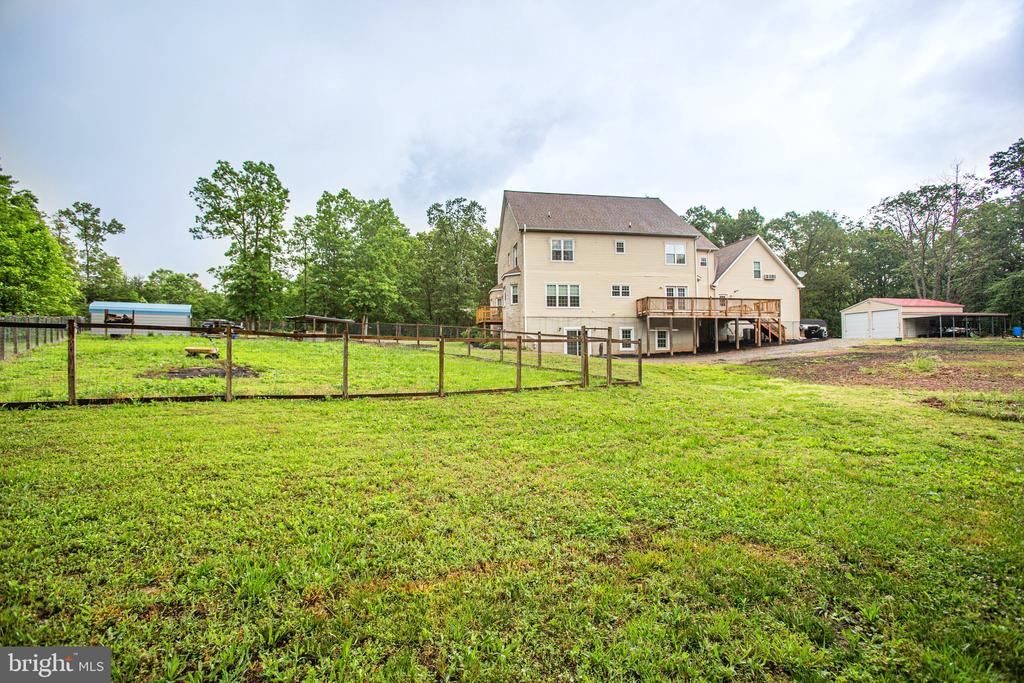 Lots of Privacy and Land - 2227 COUNTRY RD, BEAVERDAM