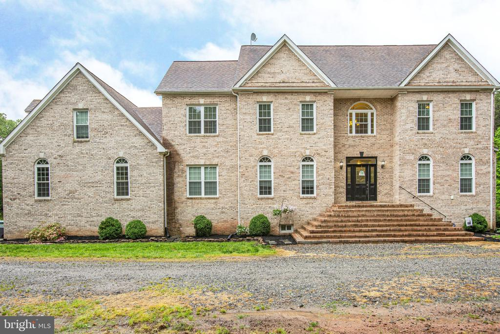 Welcome Home! - 2227 COUNTRY RD, BEAVERDAM