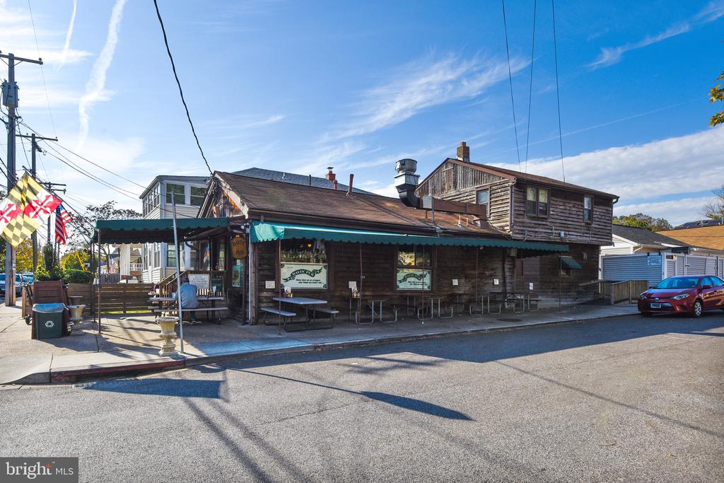 Home is convenient to local restaurants! - 508 STATE ST, ANNAPOLIS