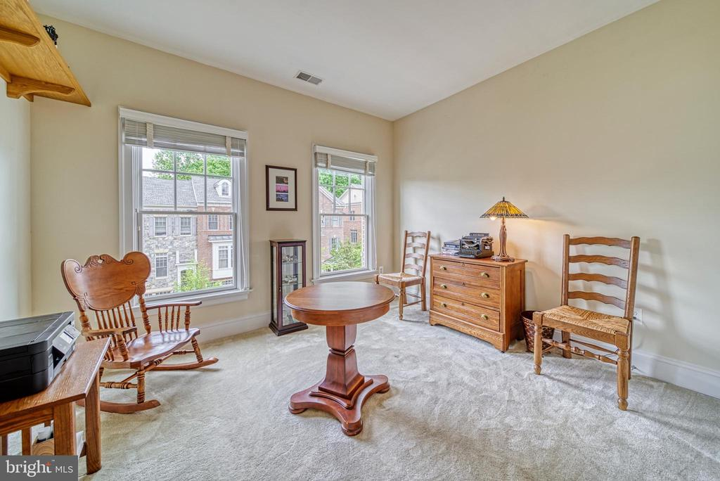 Another secondary bedroom used as office - 6745 DARRELLS GRANT PL, FALLS CHURCH