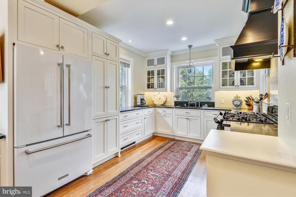 Contemporary kitchen with period preservation - 2407 KING ST, ALEXANDRIA