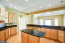Plenty of counter tops and cabinets - 9649 LOGAN HEIGHTS CIR, SPOTSYLVANIA