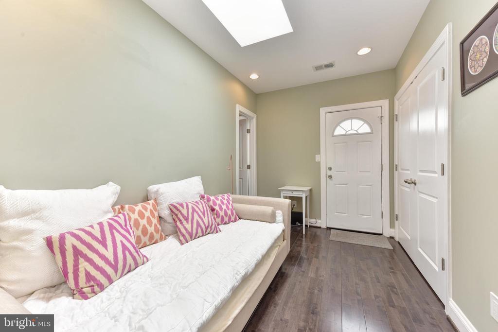 Guest Room - 1721 TRINIDAD AVE NE #3, WASHINGTON