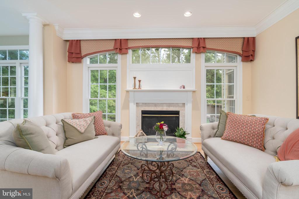 Living room with gas fireplace - 3242 FOXVALE DR, OAKTON