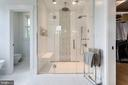 Double shower with steam system - 1313 N HERNDON ST, ARLINGTON