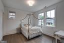 Full bedroom suite (2nd floor) - 1313 N HERNDON ST, ARLINGTON