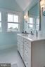 Full bathroom (3rd floor) - 1313 N HERNDON ST, ARLINGTON