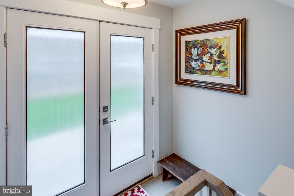 Double doors side entrance (access driveway ) - 1313 N HERNDON ST, ARLINGTON