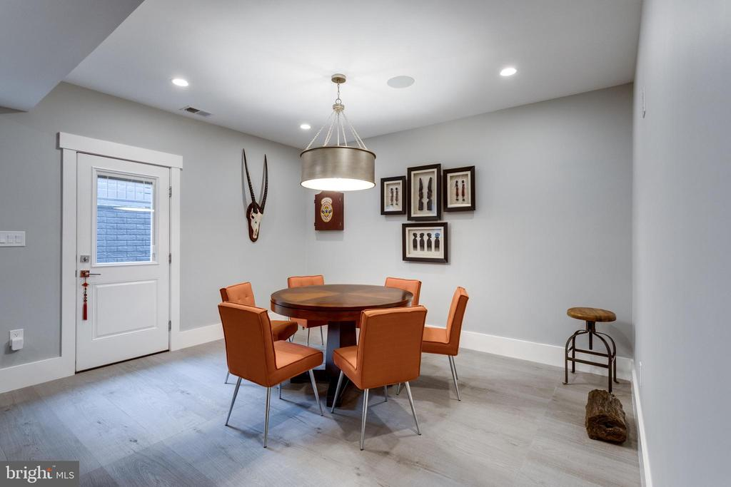 Poker room with separate entrance (basement) - 1313 N HERNDON ST, ARLINGTON