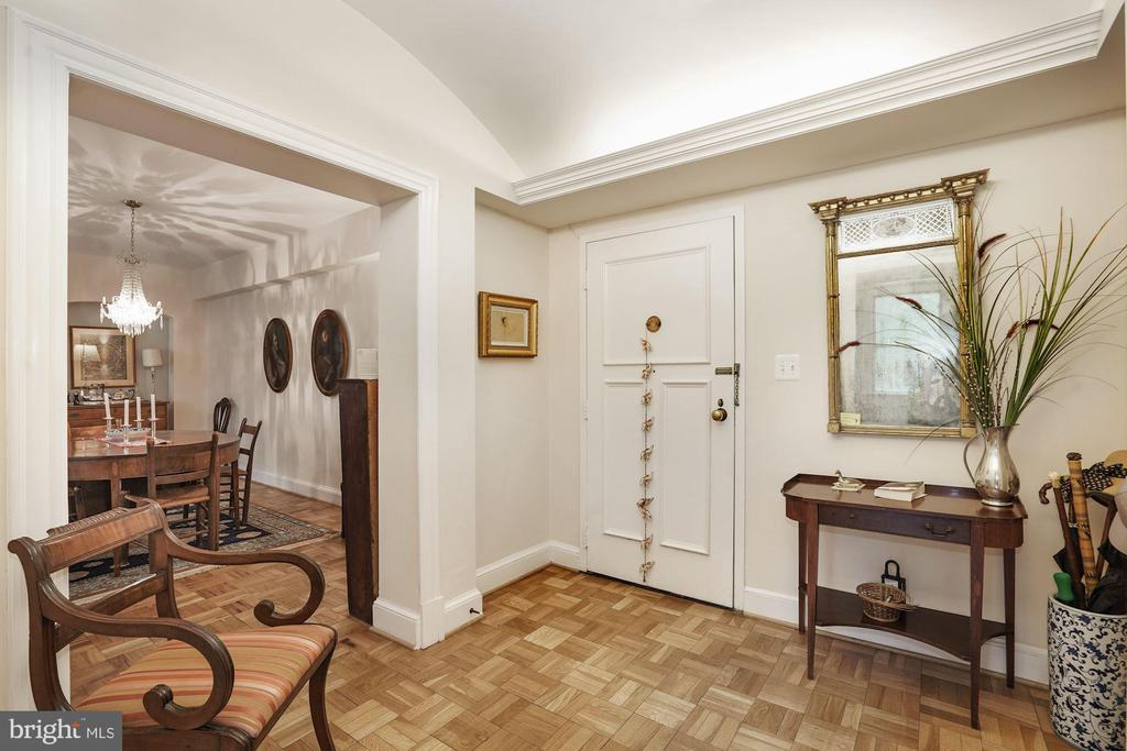 Entry Foyer looking into Dining Room - 4000 CATHEDRAL AVE NW #20-21B, WASHINGTON