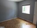 4th Bed Room on main level w/full bath - 13008 ROCK SPRAY CT, HERNDON