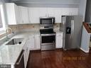 Granite counter tops and SS appliances - 13008 ROCK SPRAY CT, HERNDON