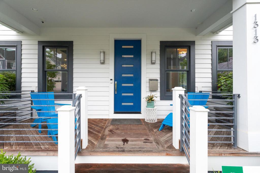 Front porch - 1313 N HERNDON ST, ARLINGTON