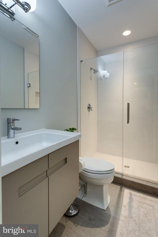 Full bathroom (basement) - 1313 N HERNDON ST, ARLINGTON
