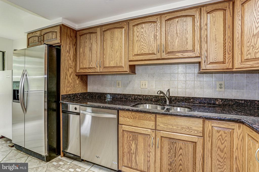 Kitchen2 - 18400 STONE HOLLOW DR, GERMANTOWN
