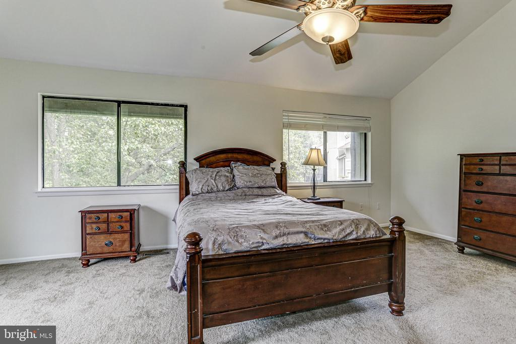 Master Bedroom - 18400 STONE HOLLOW DR, GERMANTOWN