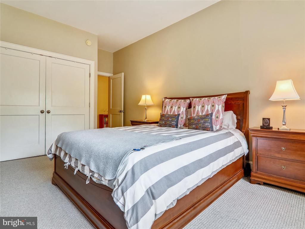 Master Bedroom - high ceilings - 5315 CONNECTICUT AVE NW #108, WASHINGTON