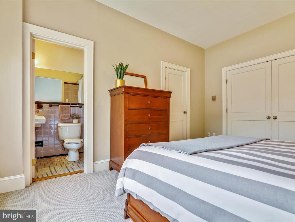 Master Bedroom - two closets - 5315 CONNECTICUT AVE NW #108, WASHINGTON