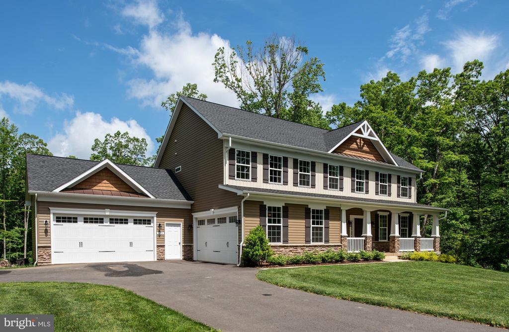 Attached 4-car garage with carriage detail - 259 HEFLIN RD, STAFFORD