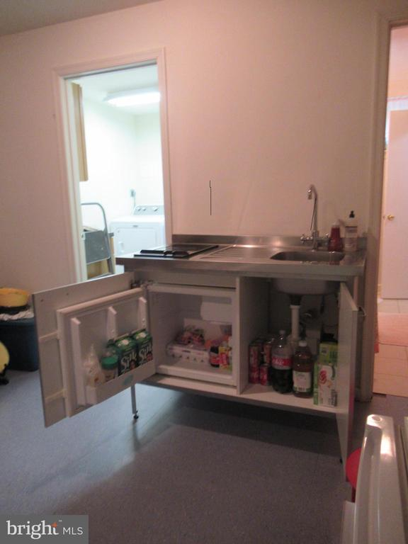 Mini fridge and sink in kitchenette - 7305 BAYLOR AVE, COLLEGE PARK