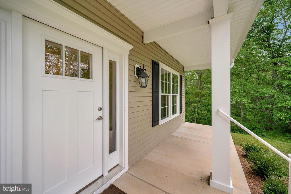 Sit on the front Porch and let nature sing to you - 34129 ENCHANTED WAY, LOCUST GROVE