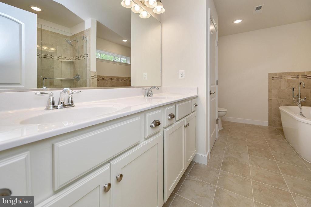 Beautiful master bath - double vanity - 34129 ENCHANTED WAY, LOCUST GROVE