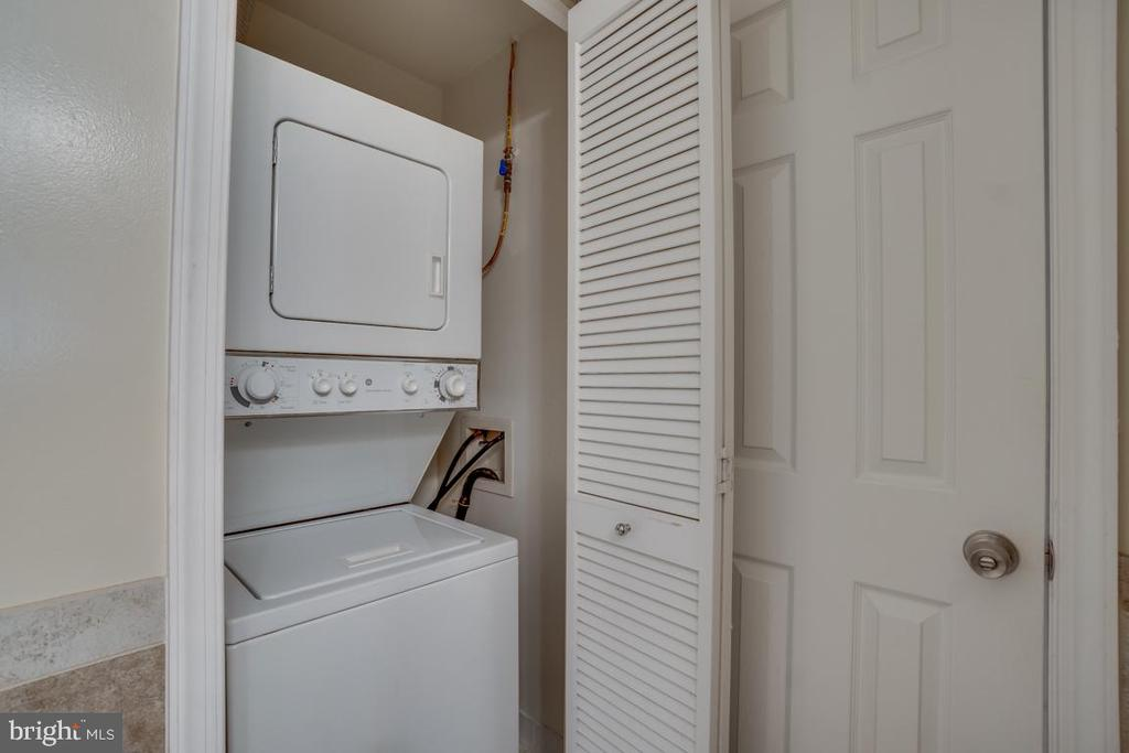 Washer and Dryer - 1645 INTERNATIONAL DR #407, MCLEAN