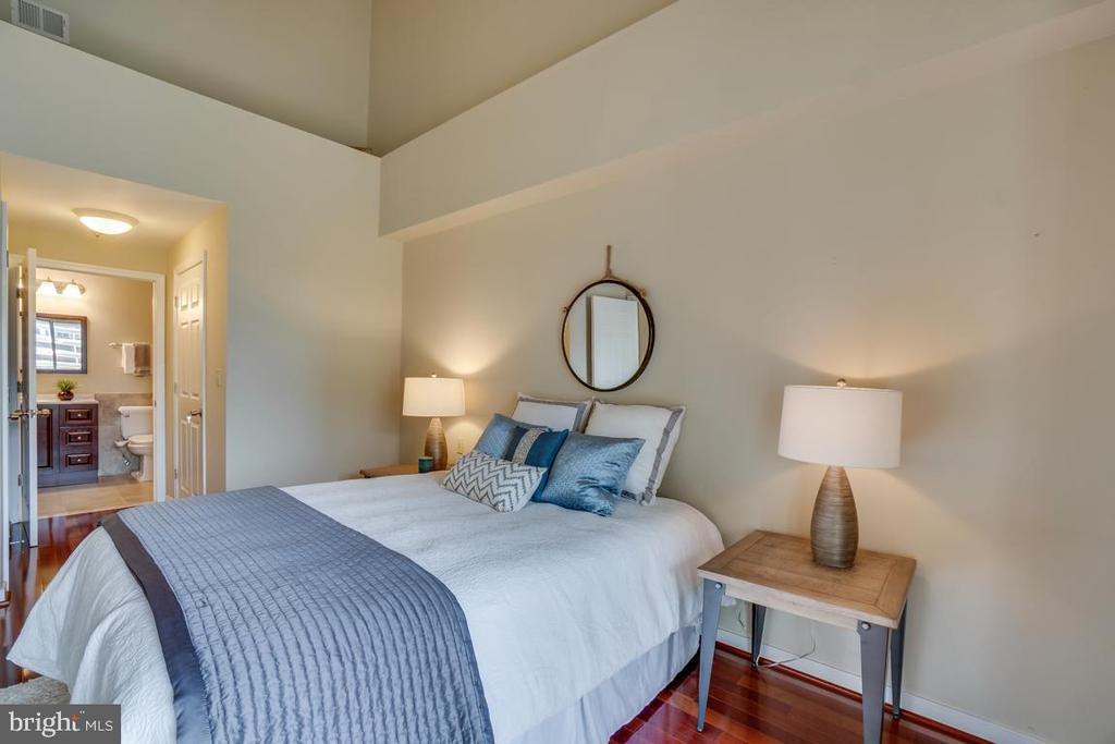 Main level bedroom with walk-in closet - 1645 INTERNATIONAL DR #407, MCLEAN
