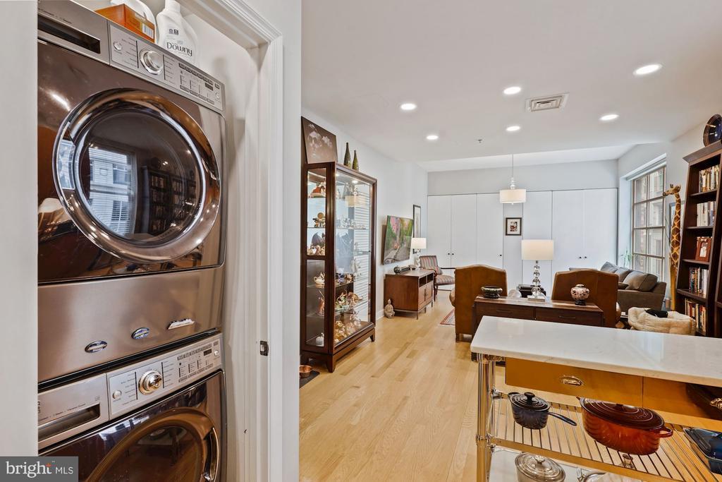 Full size Washer and Dryer - 675 E ST NW #350, WASHINGTON