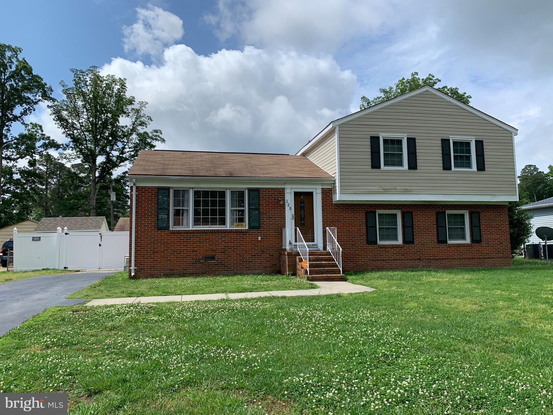 Single Family Homes 為 出售 在 Petersburg, 弗吉尼亞州 23805 美國