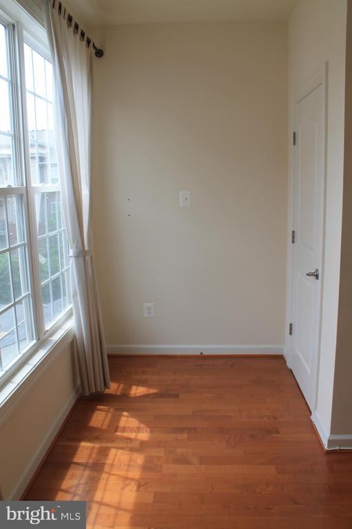 1st upper level study room - 605 RAVEN AVE, GAITHERSBURG