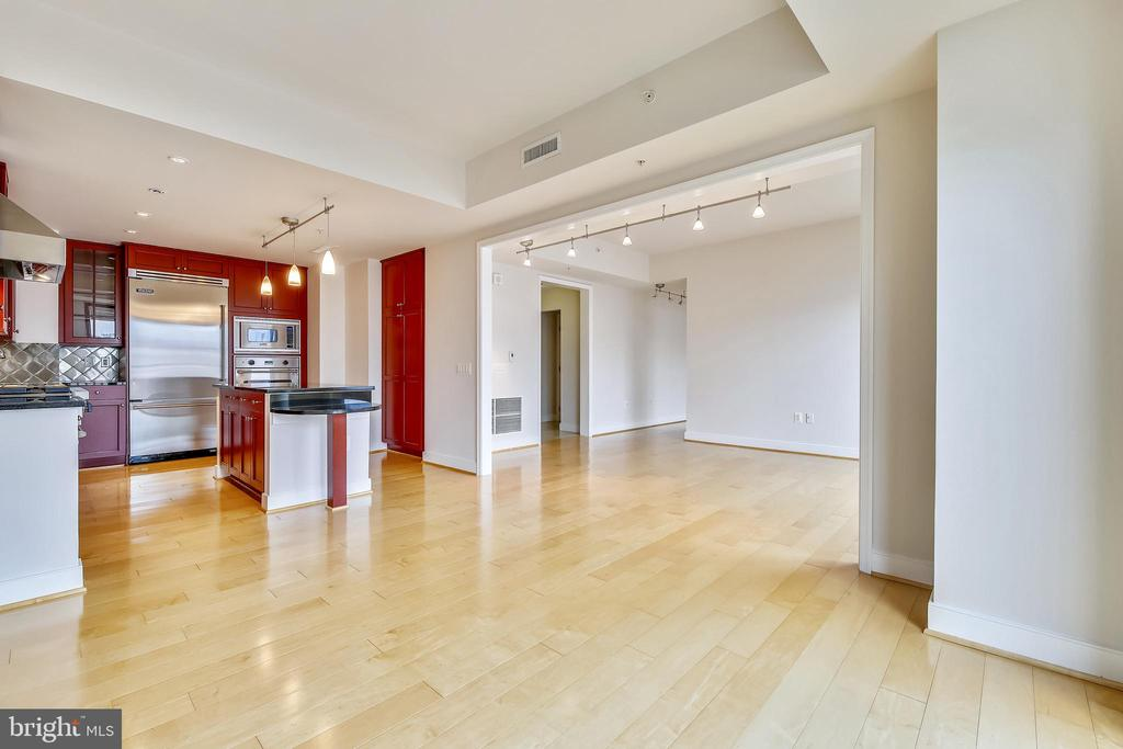 Breakfast Room to Living Room - 7710 WOODMONT AVE #1207, BETHESDA