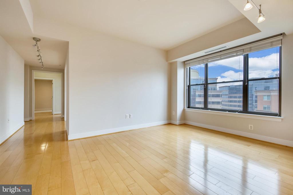 Living room - 7710 WOODMONT AVE #1207, BETHESDA