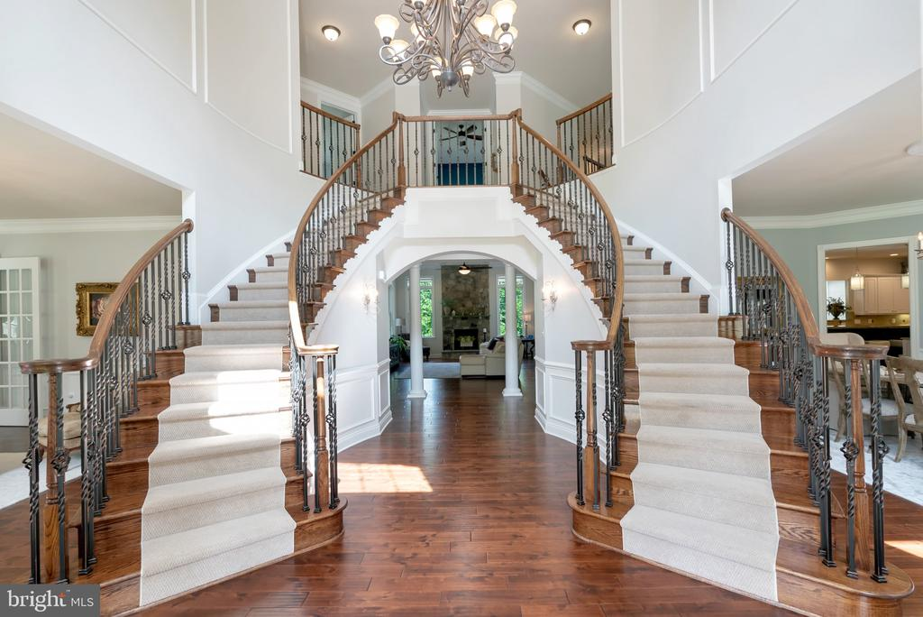 Double Staircase Entry - 15241 PAVLO PL, WATERFORD