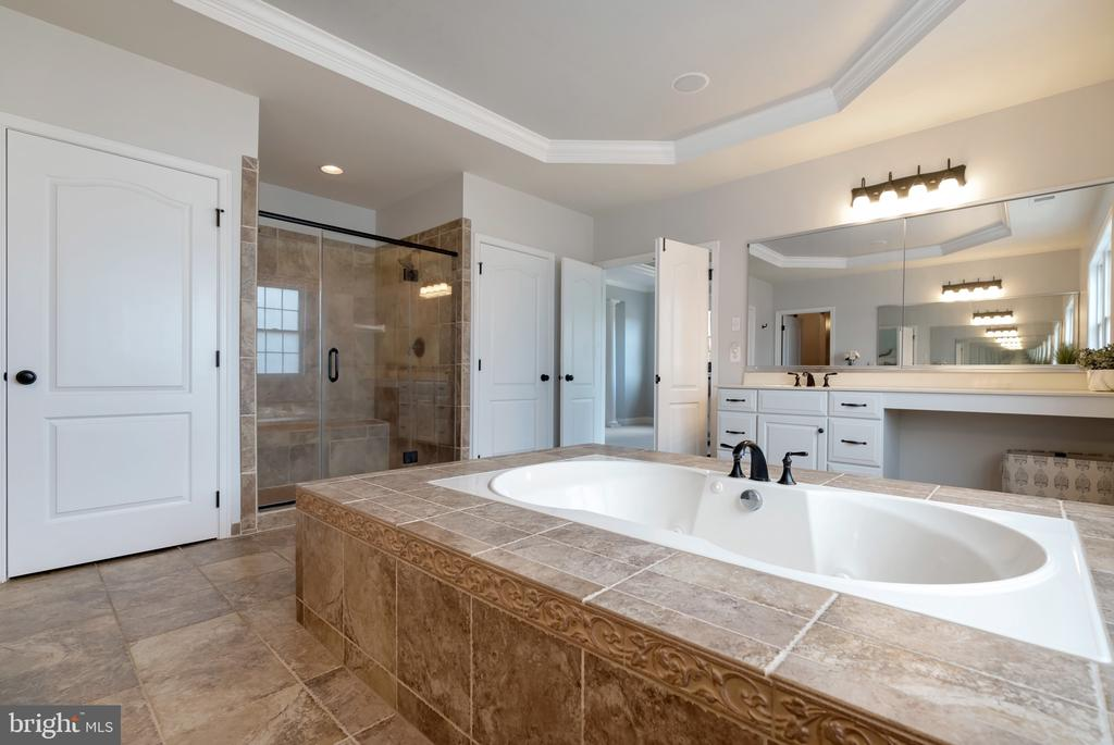 Master Bath features his and hers water closets - 15241 PAVLO PL, WATERFORD