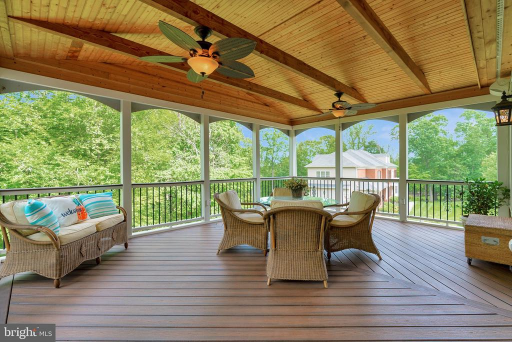 Screened Enclosed Deck ff Sunroom - 15241 PAVLO PL, WATERFORD