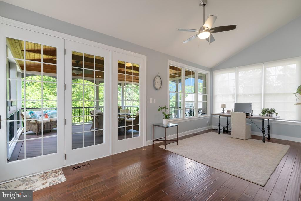 Sunroom off the Kitchen - 15241 PAVLO PL, WATERFORD