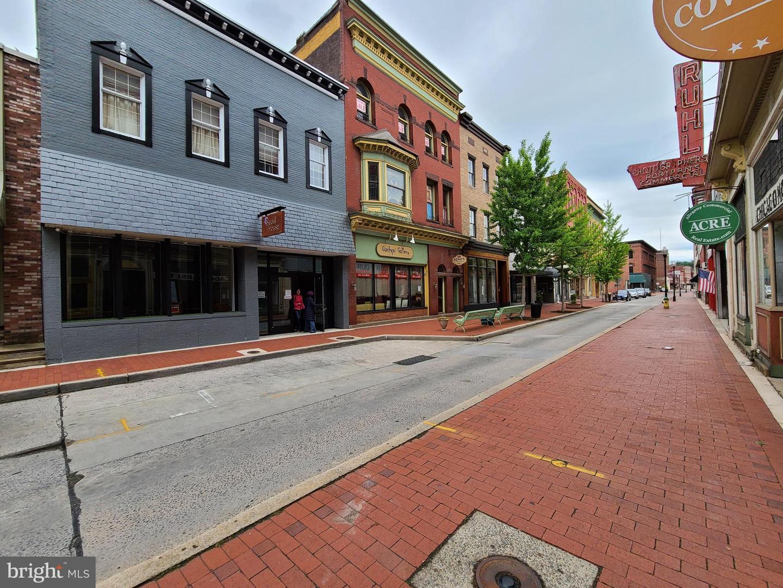 Commerce de détail pour l Vente à Cumberland, Maryland 21502 États-Unis