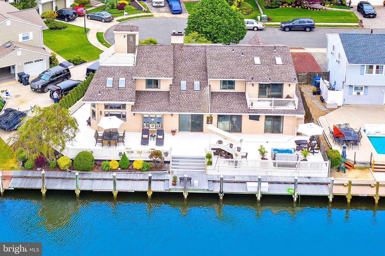 Single Family Homes 为 销售 在 汤姆斯河, 新泽西州 08753 美国