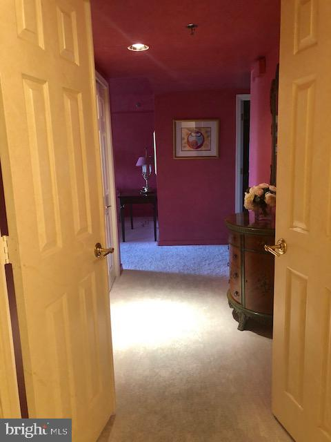 Doorway into Master Suite - 5809 NICHOLSON LN #409, NORTH BETHESDA