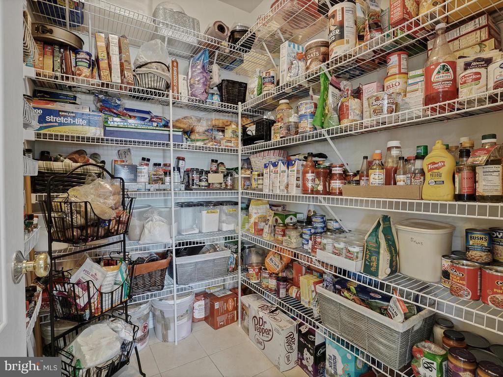 walk in pantry - 9 JENNIFER LYNNE DR, KNOXVILLE