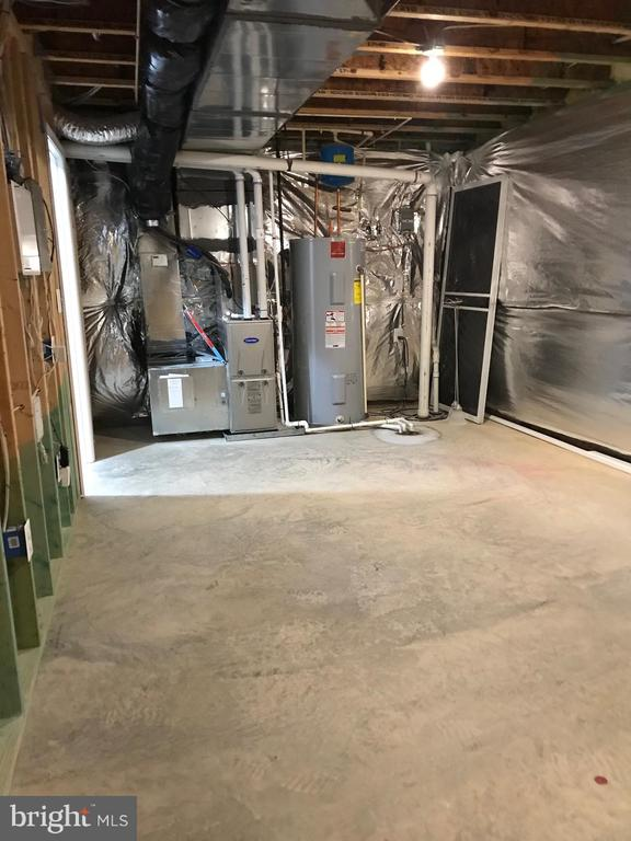 Utility space in unfin storage area - 112 FREESIA LN, STAFFORD