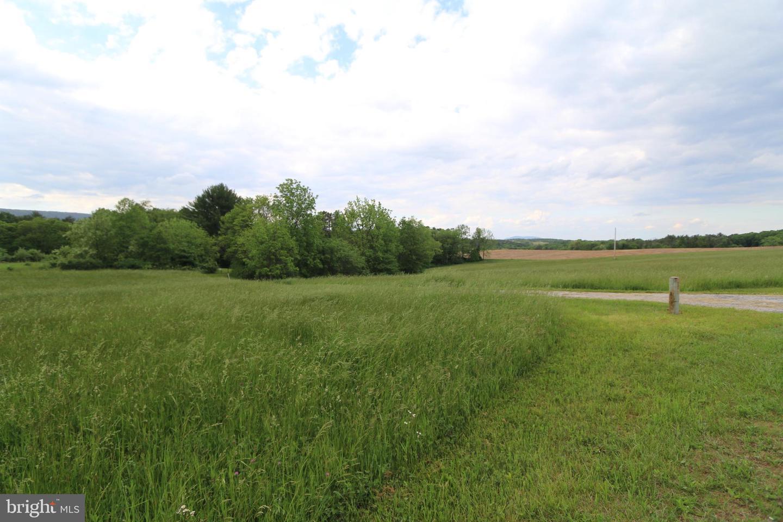 Additional photo for property listing at  Hustontown, Πενσιλβανια 17229 Ηνωμένες Πολιτείες
