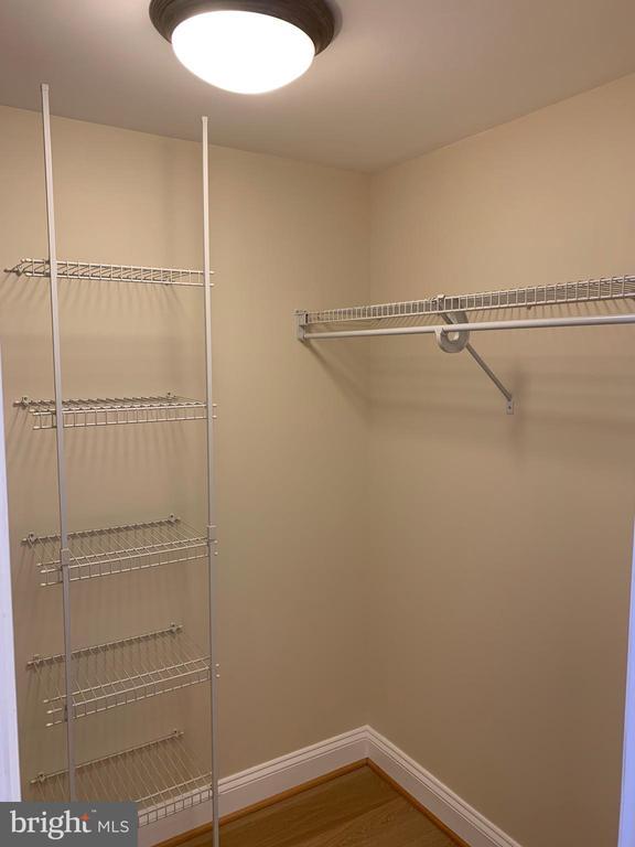Walk-in Closet - 11760 SUNRISE VALLEY DR #606, RESTON
